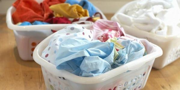 Como separar la ropa para lavar